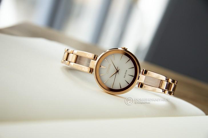 Đồng hồ Citizen EM0639-81A Mạ vàng sang trọng, pin bất tử - Ảnh 6