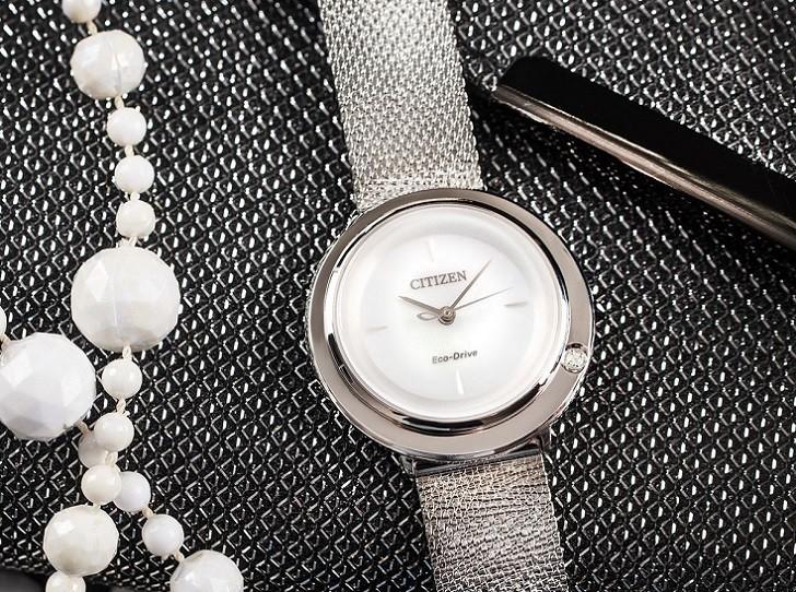 Đồng hồ Citizen EM0640-82D khảm xà cừ, dây lưới sang trọng - Ảnh 5