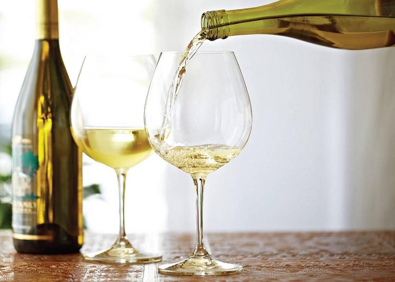 Gấp: Chuẩn Bị 5 Quà Tặng Sinh Nhật Cho Bạn Gái Ngay Trong Đêm - rượu vang