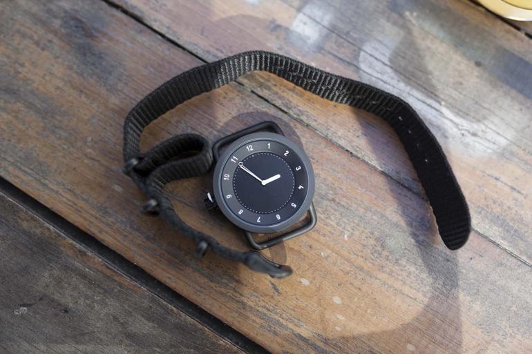 Đồng hồ minimalist là gì? Vì sao được nhiều thương hiệu trẻ sử dụng? TID