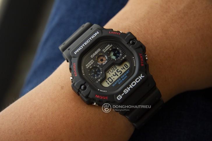 """Đồng hồ G-Shock DW-5900-1DR - """"Robot 3 mắt"""" đầy mạnh mẽ - Ảnh 1"""