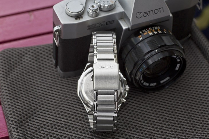 Đồng hồ Casio MTP E200D-1A2VDF trẻ trung, năng động và dày dặn - Ảnh 4