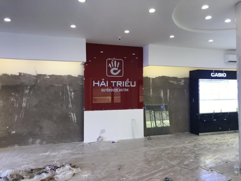 Đột nhập Đồng Hồ Hải Triều Phan Huy Ích Tân Bình trước ngày khai trương - Quang cảnh xây dựng đang đi vào khâu hoàn thiện của showroom