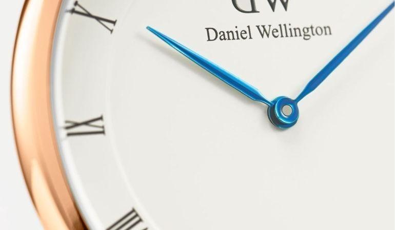 Review khám phá đồng hồ Daniel Wellington (DW) Dapper kim xanh nổi tiếng Kim Xanh Daniel Wellington Dapper