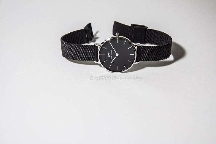 7 lý do chọn mua đồng hồ Daniel Wellington DW00100202 dây lưới - Ảnh 1