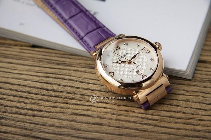 Đồng hồ Doxa D182RWP ấn tượng với dây đeo bằng da màu tím - Ảnh 7