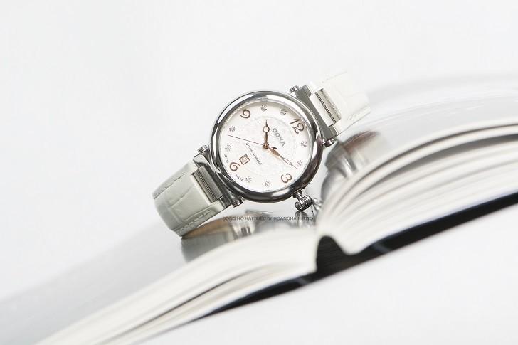 Giá trị thật 8 viên kim cương trên đồng hồ Doxa D182SWH - Ảnh 3