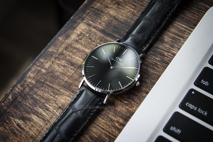 Review đồng hồ Daniel Wellington DW00100135 dây da thật - Ảnh 1