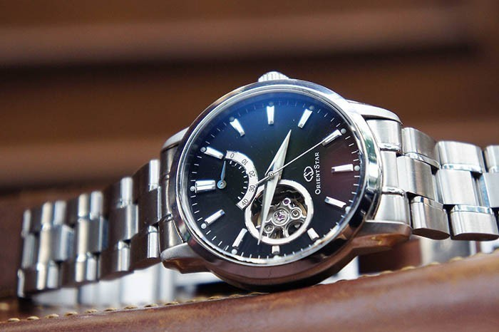 60 món quà tặng bố thiết thực theo từng sở thích - đồng hồ