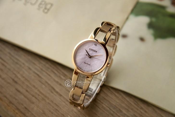 Đồng hồ nữ Citizen EM0433-87D trang bị công nghệ hiện đại - Ảnh 1