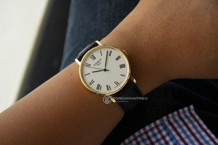 Đồng hồ Tissot T109.410.36.033.00: Sự đơn giản trường tồn - Ảnh 3