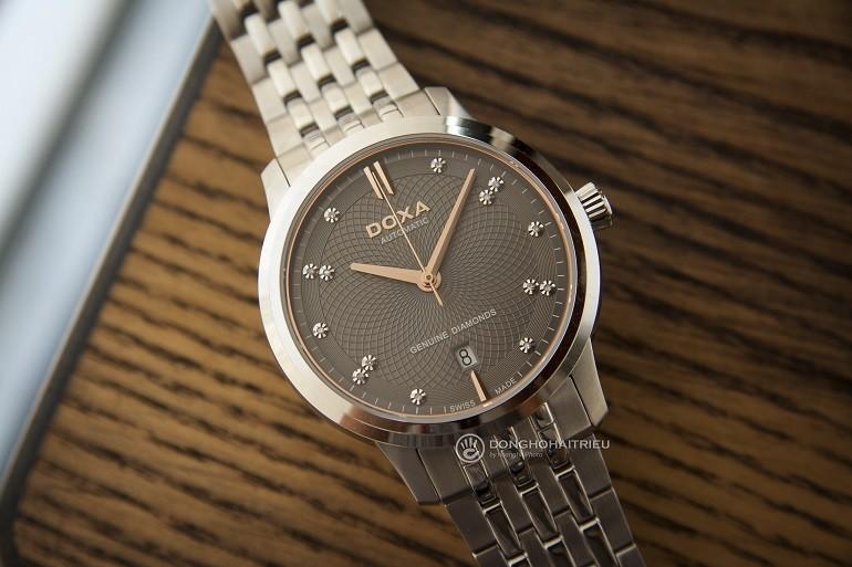 5 hãng đồng hồ nam automatic (Thụy Sỹ) nổi tiếng về đính kim cương - Ảnh: Doxa D220SGY