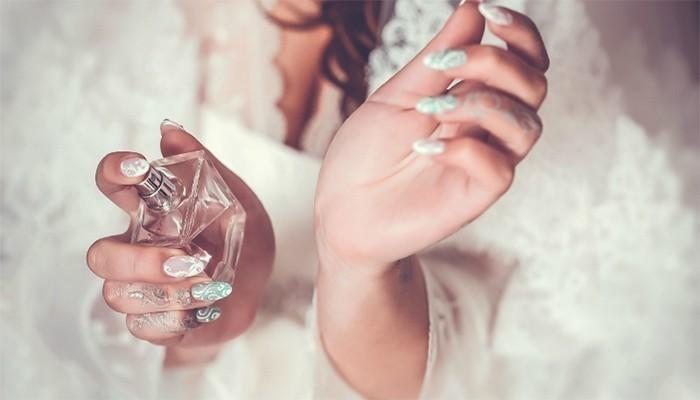 Nước hoa là món quà tặng mà bất cứ người phụ nữ nào cũng thích