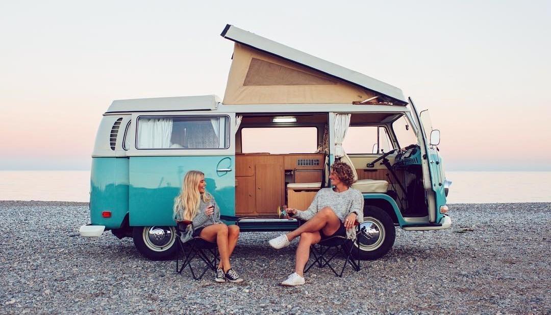 một chuyến du lịch chỉ dành riêng cho vợ chồng sẽ là dịp để hâm nóng tình yêu