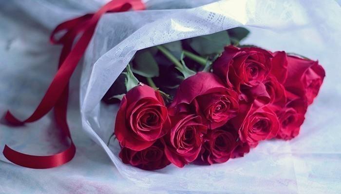 Hoa không thể thiếu trong tất cả những dịp tặng quà cho vợ