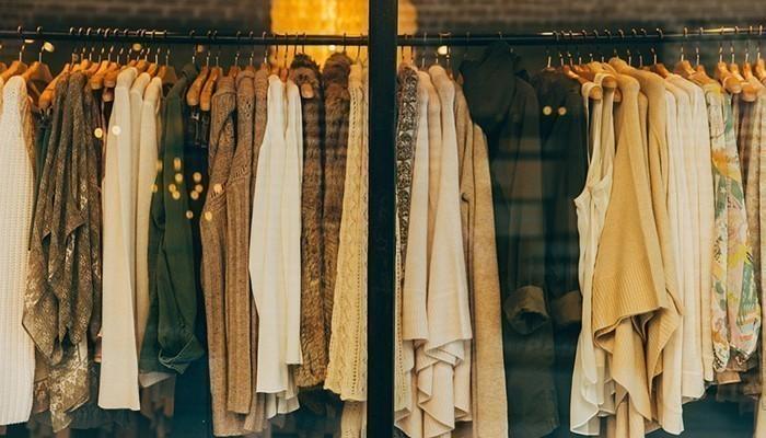 Phái đẹp luôn cần rất nhiều quần áo đẹp, vì thế đãy là món quà tặng thường xuyên dành cho vợ