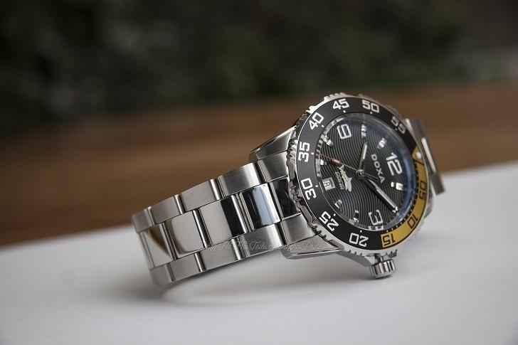 Đồng hồ Doxa D162SBY có bezel xoay, dạ quang Super-LumiNova - Ảnh: 7