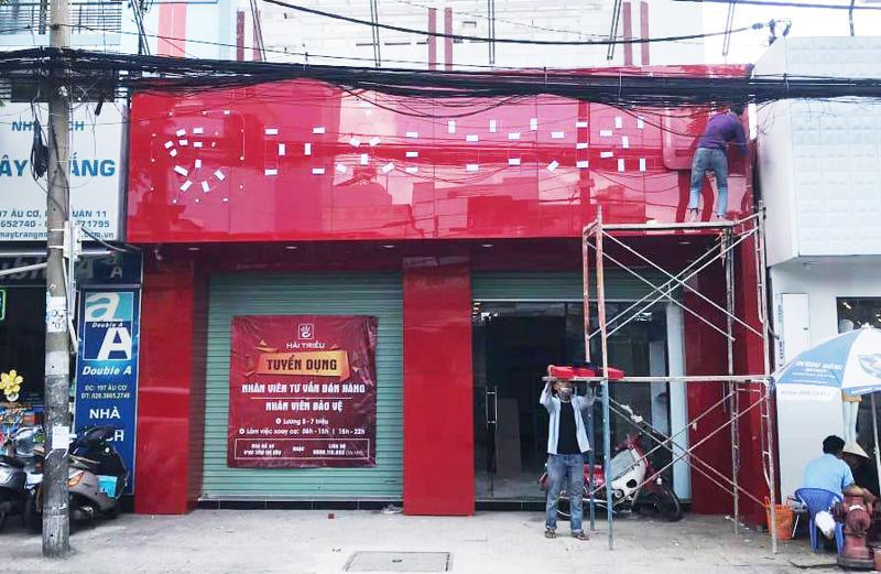 Mặt tiền cửa hàng Đồng Hồ Hải Triều Âu Cơ 2 đang thi công