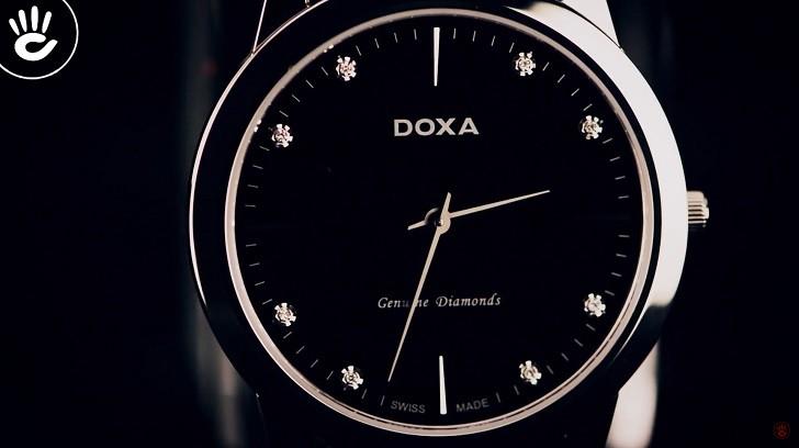 Lý do đồng hồ Doxa D157SBK máy quartz, giá hơn 18 triệu - Ảnh: 2