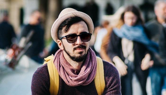 Cặp mắt kính thể hiện phong cách, vì thế cần lựa chọn hợp gu với chồng