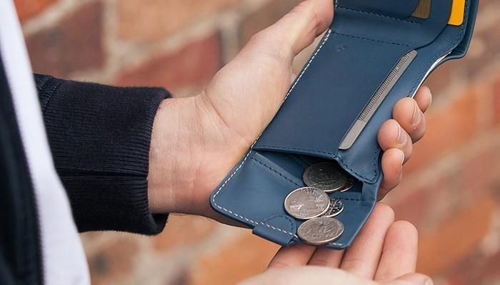 Đàn ông thì không thể thiếu ví tiền, vì thế vợ nên tặng chồng ví tiền