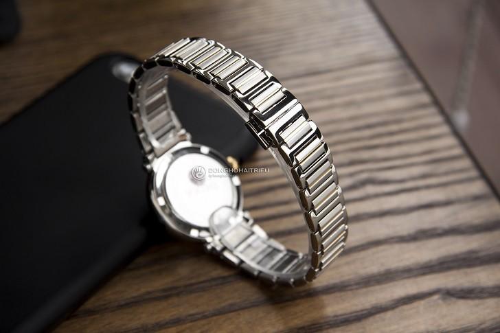 8 viên kim cương thật trên đồng hồ Doxa D186TSD (Thụy Sỹ) - Ảnh: 5