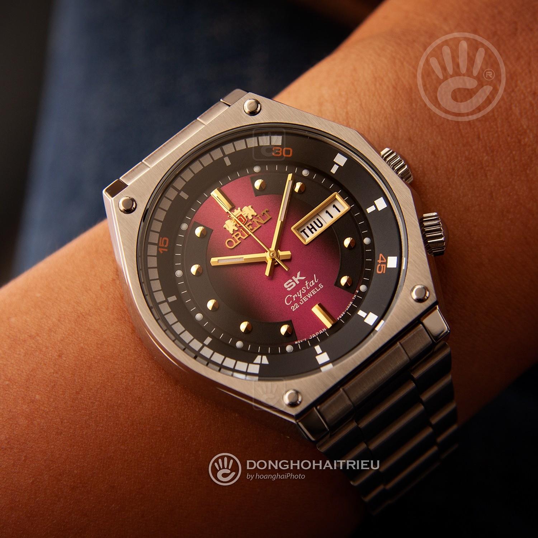 Orient SEV0J002CY - trên tay