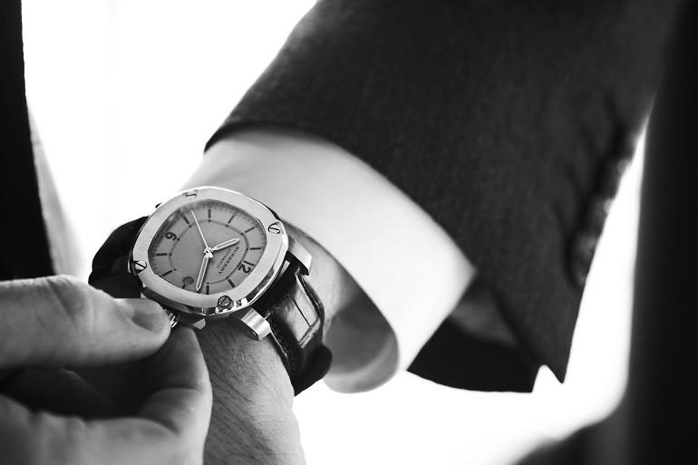 Đồng hồ Burberry và câu chuyện đằng sau mức giá hàng ngàn đô - ảnh: 1