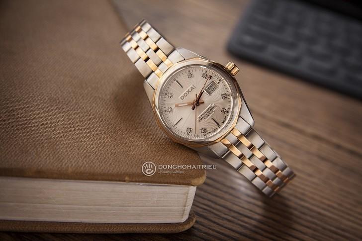 Đồng hồ Doxa D176RWH nổi tiếng về đính kim cương thật - Ảnh: 1