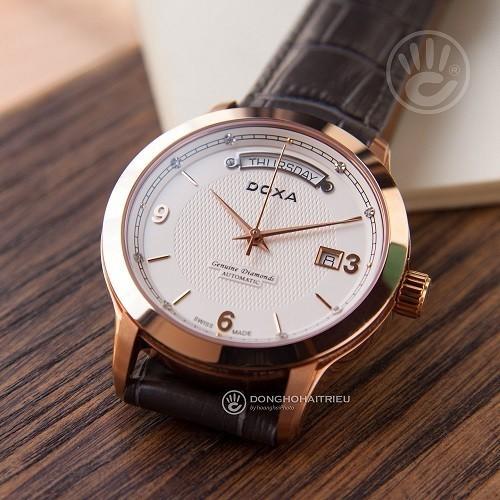 Đồng hồ gắn kim cương, họa tiết guilloché đắt đến mức nào? - Ảnh: Doxa D167RWL