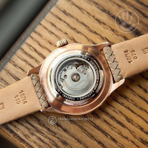 Đồng hồ gắn kim cương, họa tiết guilloché đắt đến mức nào? - Ảnh: Doxa D217RIY