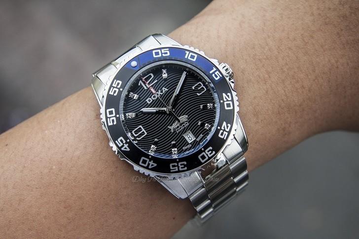 Hàng loạt chi tiết đắt tiền trên đồng hồ Doxa D162SBU (Thụy Sỹ) - Ảnh: 1