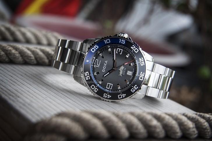 Hàng loạt chi tiết đắt tiền trên đồng hồ Doxa D162SBU (Thụy Sỹ) - Ảnh: 4