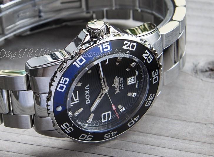 Hàng loạt chi tiết đắt tiền trên đồng hồ Doxa D162SBU (Thụy Sỹ) - Ảnh: 6