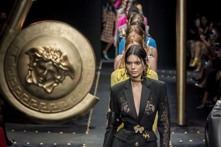Lịch sử đồng hồ Versace: từ thời trang quyến rũ đến táo bạo - Ảnh: 6