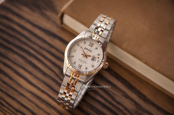 Ngắm nhìn đồng hồ Doxa D174RWH đính 8 viên kim cương thật - Ảnh: 1