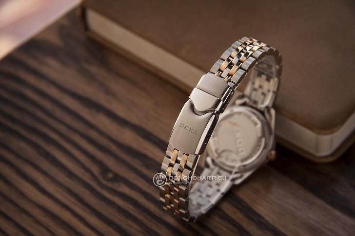 Ngắm nhìn đồng hồ Doxa D174RWH đính 8 viên kim cương thật - Ảnh: 8