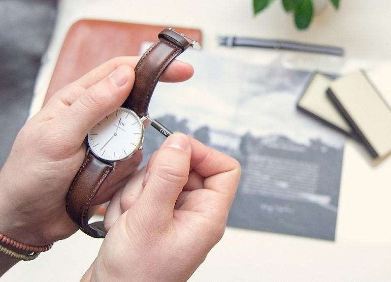 Thay dây da đồng hồ DW (Daniel Wellington) giá rẻ, 100% chính hãng - Ảnh: 1