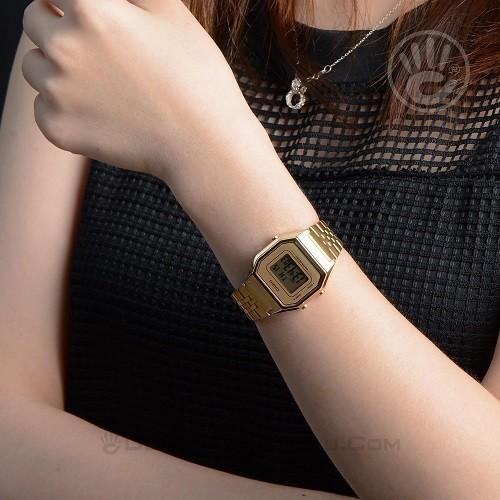 Tốt nghiệp cấp 3 rồi, 20 mẫu đồng hồ điện tử mùa chia tay thôi! - Ảnh: Casio LA680WGA-9DF