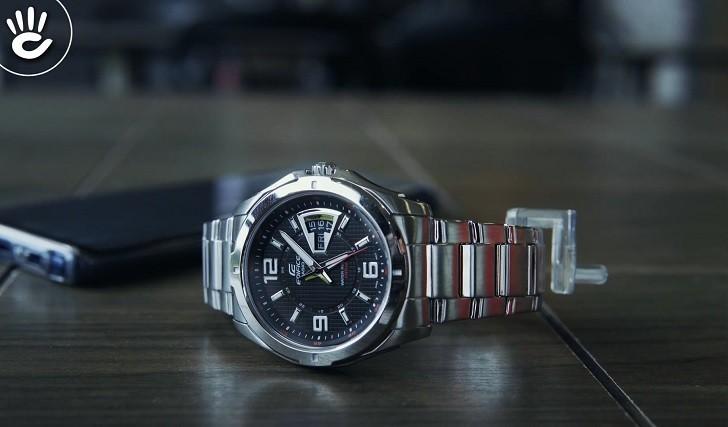 Đồng hồ Casio EF-129D-1AVUDF chịu nước 10ATM, đi bơi thoải mái - Ảnh: 6