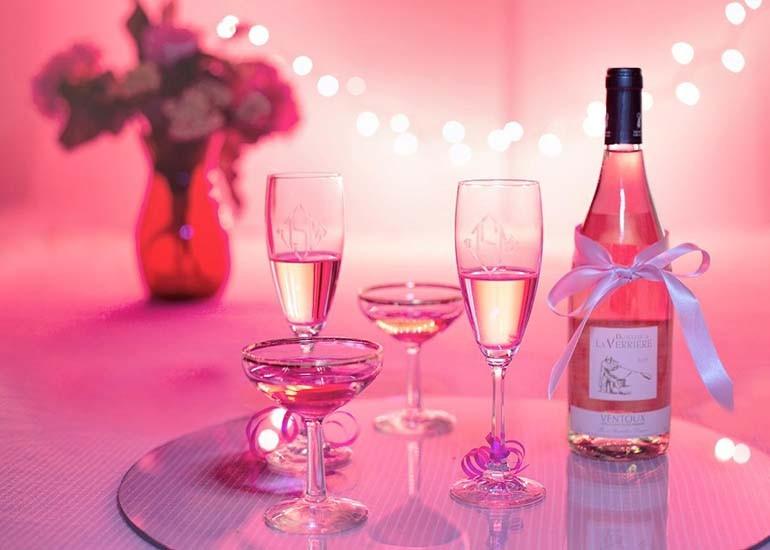 quà tặng 20-10 đồng nghiệp nữ - rượu