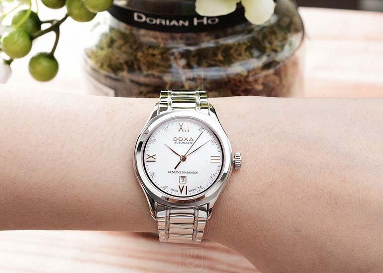 quà tặng 20-10 đồng nghiệp nữ - đồng hồ doxa kim cương