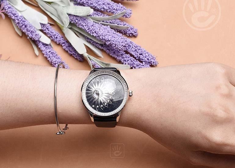 quà tặng 20-10 cho bạn thân nữ - đồng hồ dây kim loại