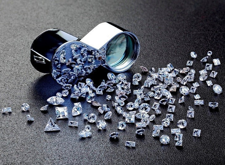 Đồng hồ đính kim cương Doxa D151RMW, khảm xà cừ thiên nhiên - Ảnh: 1