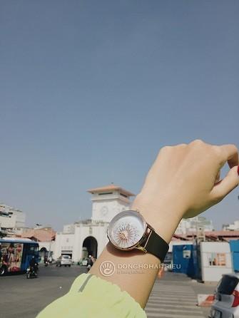 Xu hướng ưa chuộng hiện nay là đồng hồ mặt to, kính cong vòm - Ảnh: 10
