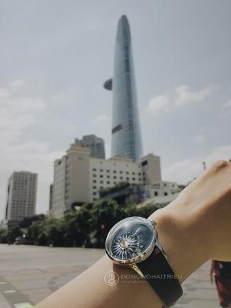 Xu hướng ưa chuộng hiện nay là đồng hồ mặt to, kính cong vòm - Ảnh: 13
