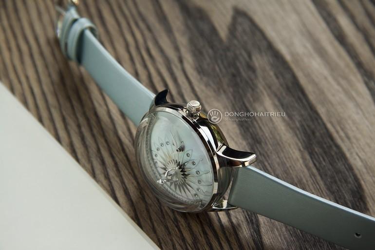 Xu hướng ưa chuộng hiện nay là đồng hồ mặt to, kính cong vòm - Ảnh: 8