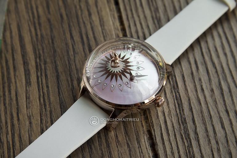 Xu hướng ưa chuộng hiện nay là đồng hồ mặt to, kính cong vòm - Ảnh: 4