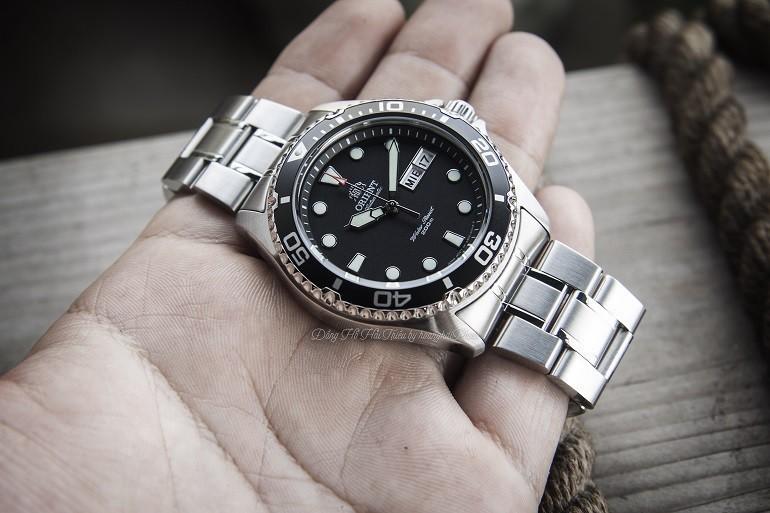 Đồng hồ Orient của nước nào? Giá bao nhiêu? Sử dụng máy gì? - Ảnh: Orient Ray II FAA02004B9