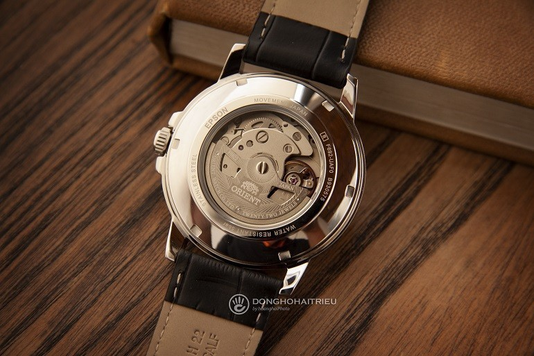 Đồng hồ Orient của nước nào? Giá bao nhiêu? Sử dụng máy gì? - Ảnh: Orient RA-AA0C04B19B
